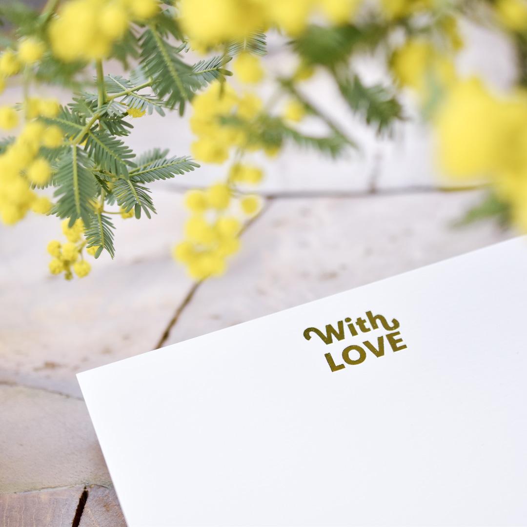 ミモザとWith Love を箔押ししたフラットカード